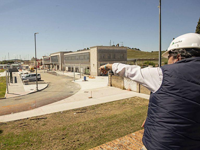 Cáceres gana una plaza nueva con la reforma de la estación de tren.