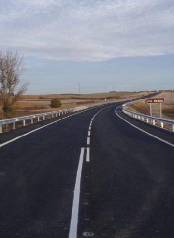 Corrección de curvas y construcción de un puente sobre el río Bedija (Cuenca)